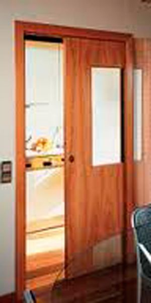 Puertas interiores macizas lacadas correderas for Puertas decorativas para interiores