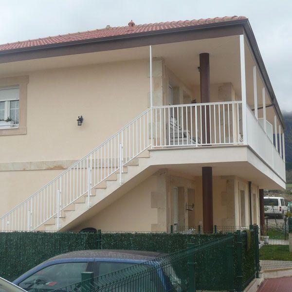 Balcones barandillas pasamanos - Estores para balcones ...