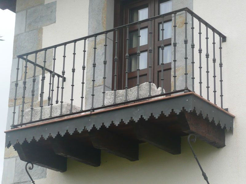 Balcones barandillas pasamanos - Barandillas de forja y madera ...