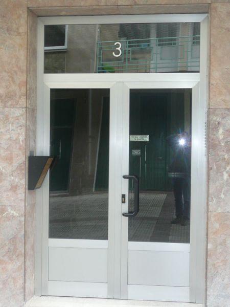 Puertas portal pasamanos mantenimientos - Portal de corredera ...
